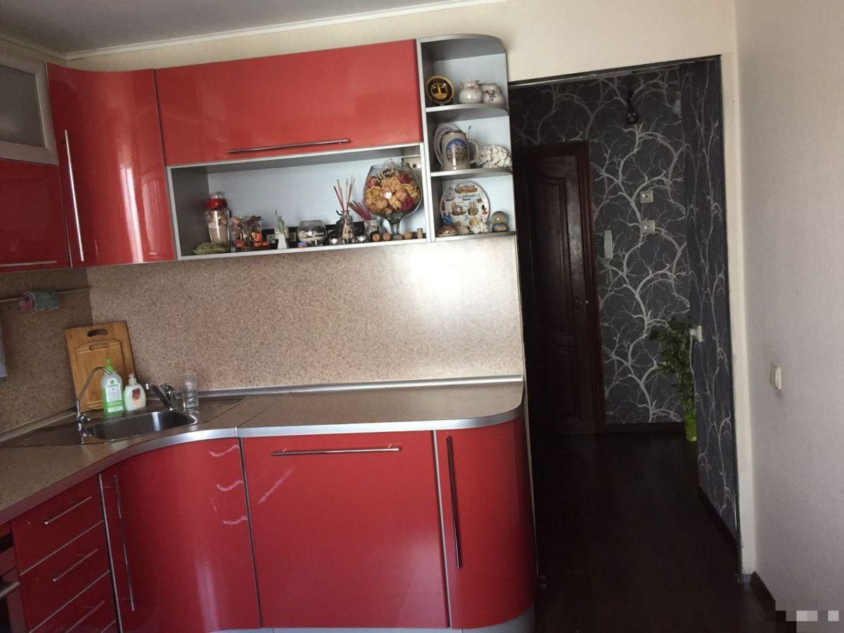 Продам 3-комн. квартиру, Кемеровская область, Новокузнецк, Центральный, Тольятти ул, 43